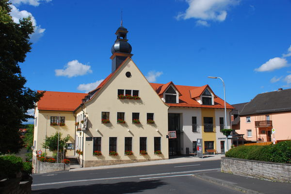 Rathaus front