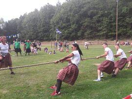 Seilziehen bei den Highland Games in Haard